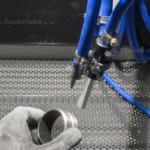 ukázka použití držáku trysky při pískování